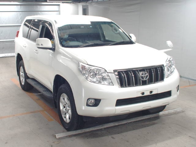 Buy used Toyota at Japanese auctions